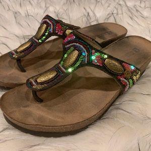 White Mountain Sandals Multicolor